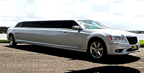 Chrysler-300c-Stretch-Limousine-12-passenger