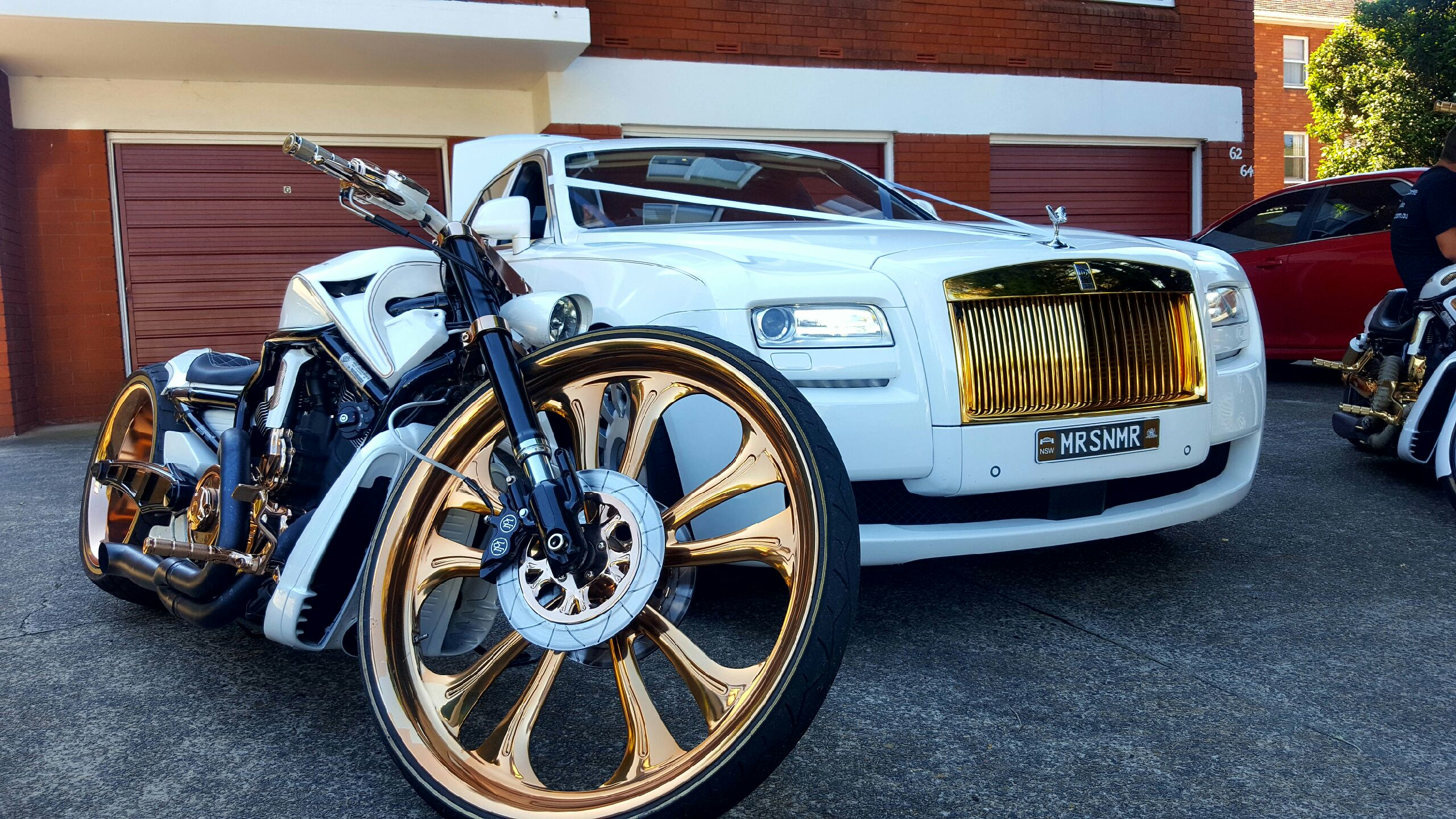 30 Inch Speakers And 30 Inch Rims : Entice rolls royce ghost and inch front wheel vrod